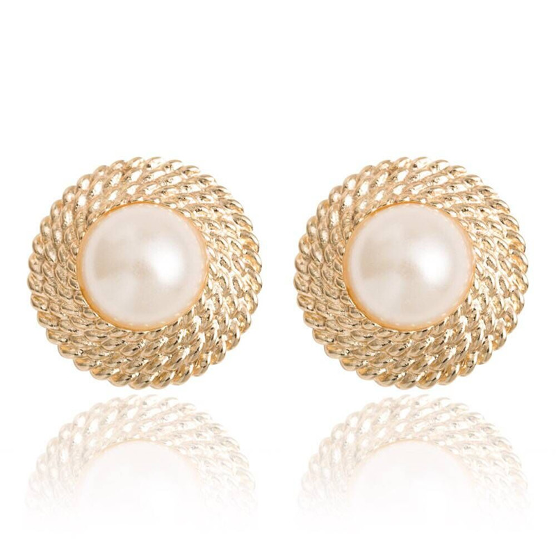 how to wear big pearl ear cuffs