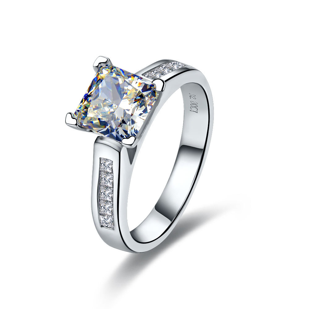 Great 2CT Princess Cut CHARLES&COLVARD Moissanite Solid White Gold 14K Women Wedding Ring Stone Test Positive Fast Delivery(China (Mainland))