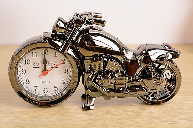 Super Cool Motorcycle Alarm Clock Watch Shape Creative Retro Gifts Upscale Furnishings Boutique(China (Mainland))