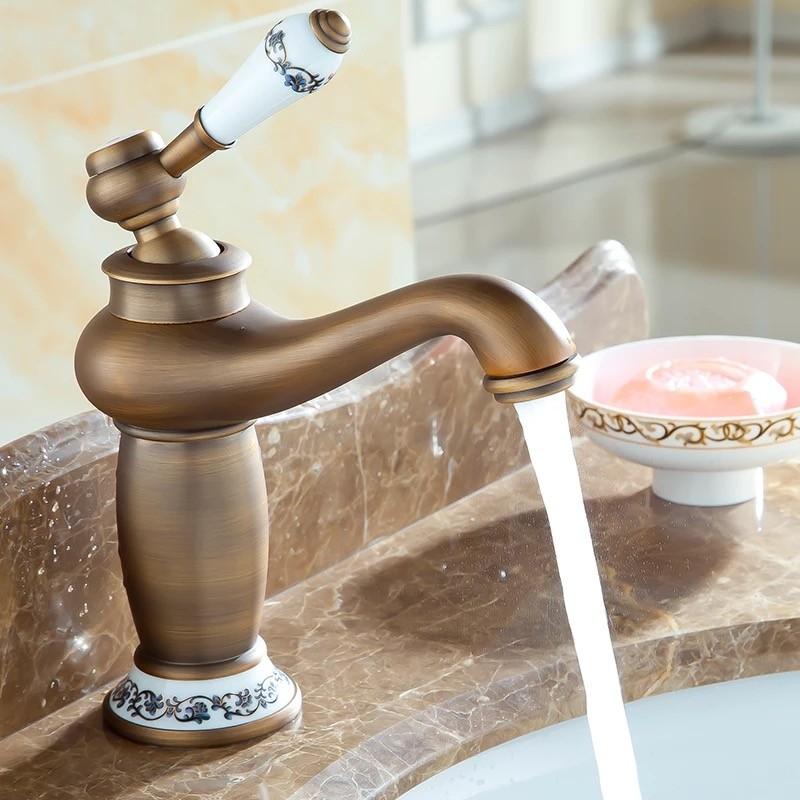 Купить Горячие продажи Ванная Комната Бассейна Кран, античная бронза Латунь Смеситель с керамической раковиной кран, смеситель для ванны GZ7606