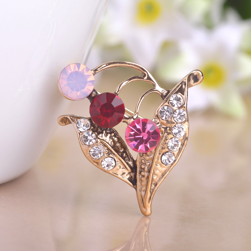 Newest Red Flower Brooches Antique Gold Plated Big Leaves Brooch Hijab Pins Vintage Women Jewelry Hats Dress Clips Brand Bijoux(China (Mainland))