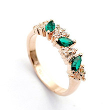2015 New Arrival Luxury Green Crystal Wedding Ring Fashion Woman Jewelry Fine Rings