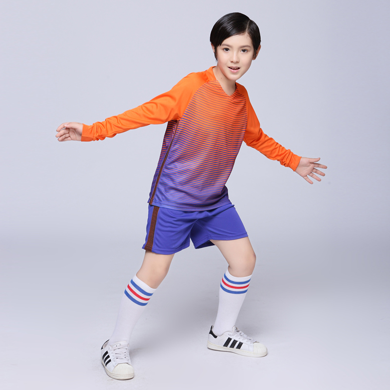 2017 Boys Soccer Sets Girls Blank Custom Team Uniforms Training Suits Youth Kids Survetement Football Jerseys Long Sleeved Kits(China (Mainland))
