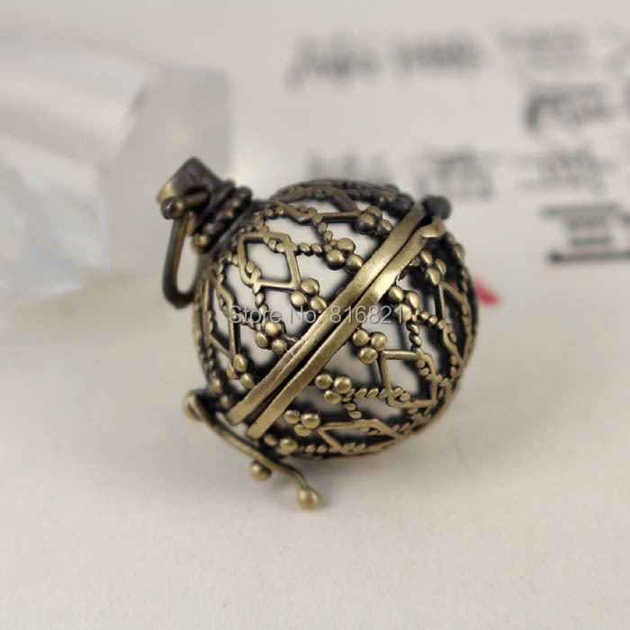 Antique Bronze Brushed Brass Round Wish Prayer Box Locket Cage Filigree Hollow Pendant Findings Craft Essential Oil Diffuser(China (Mainland))