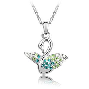 Woman's fashion design Swan pendant necklace made with Austrian crystal popular cute chain Bijouterie for girl firend gift(China (Mainland))