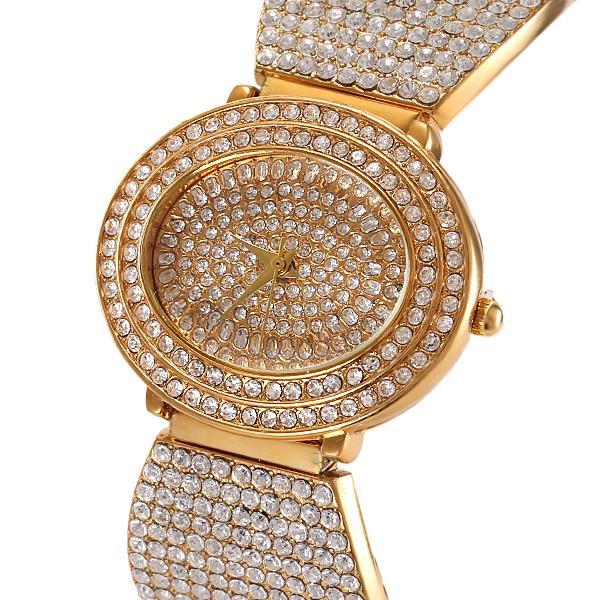 2015 Oval Designer Women Popular Watches Luxury Diamond Geneva Gold Watch Steel Bracelet Quartz Wristwatches relogio feminino(China (Mainland))