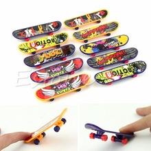 Free Shipping 1PC Finger Board Truck Mini Skateboard Toy Boy Kids Children Gift(China (Mainland))