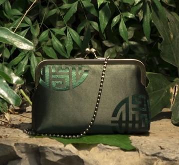 15 Handmade Silk Chinese Dark Green Fashion Brocade Money Cards Small Packet Mouth Gold Metal Frame Women Handbag Finish Product(China (Mainland))