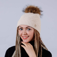 YHKGG Hollow Stars Knitted Beanies Skullies With Big Pompom Casual Thick Warm Hat For Women Outdoor Ski Caps Free Shipping H2052(China (Mainland))