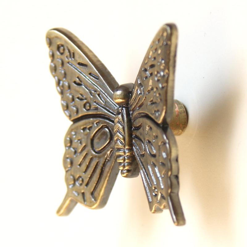Retro Bronze Butterfly Metal Knob Kitchen Furniture Dresser Cabinet Chest Drawer Pull handle(China (Mainland))