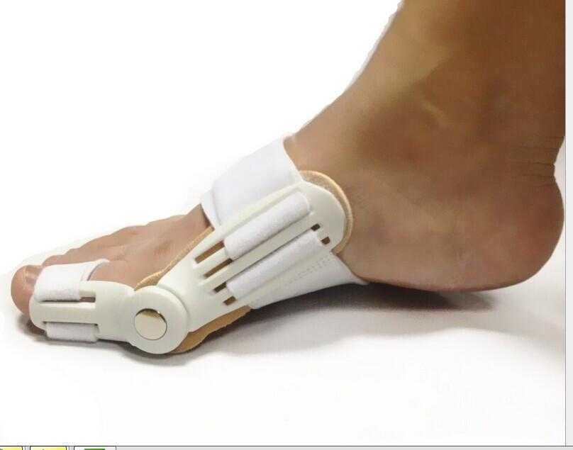 Фиксатор для пальцев ног поможет  снять боль при ходьбе, восстановить сустав.Фиксатор - это прежде всего, ортопедический корректор большого пальца на ноге. С его помощью всего за месяц можно избавиться от выпирающей косточки. Купить, Цена, отзывы