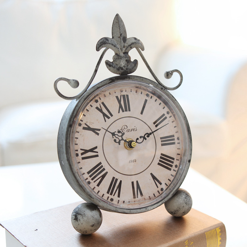 Excellent shellfish European-style wrought iron table clock antique to do the old ultra-quiet home decorations crafts watches(China (Mainland))