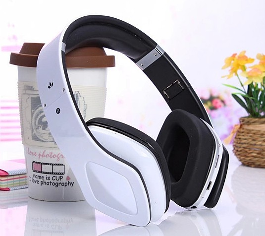1.7 Foldable Wireless Bluetooth Stereo Headset Headphones SKY-001 Micro SD MP3 Player FM Radio for Samsung iPhone Free shipping(China (Mainland))