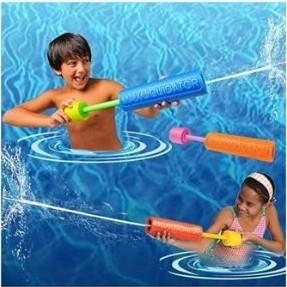 Wholesale - 12PCS M size Soft Safe pump EVA water gun squirt Floating Water Cannon Foam Gun summer toy Expand Creative(China (Mainland))