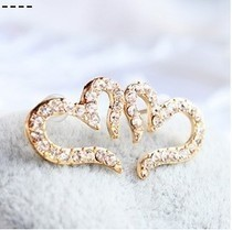 Free Shipping $10 (mix order) New Fashion Vintage Plated Small Love Rhinestone Stud Earrings E611 Jewelry(China (Mainland))