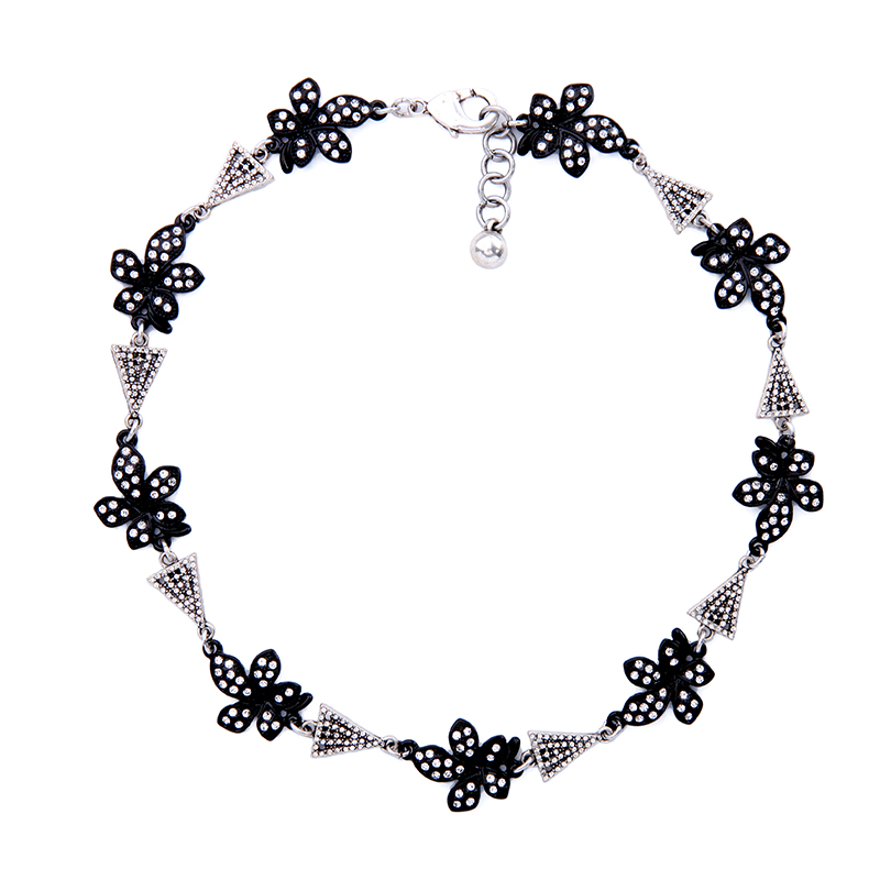 Brand Jewelry Black Crystal Flower Charm Necklace 2017 Perfume Women Collier Fashion Clavicle Necklace Online(China (Mainland))
