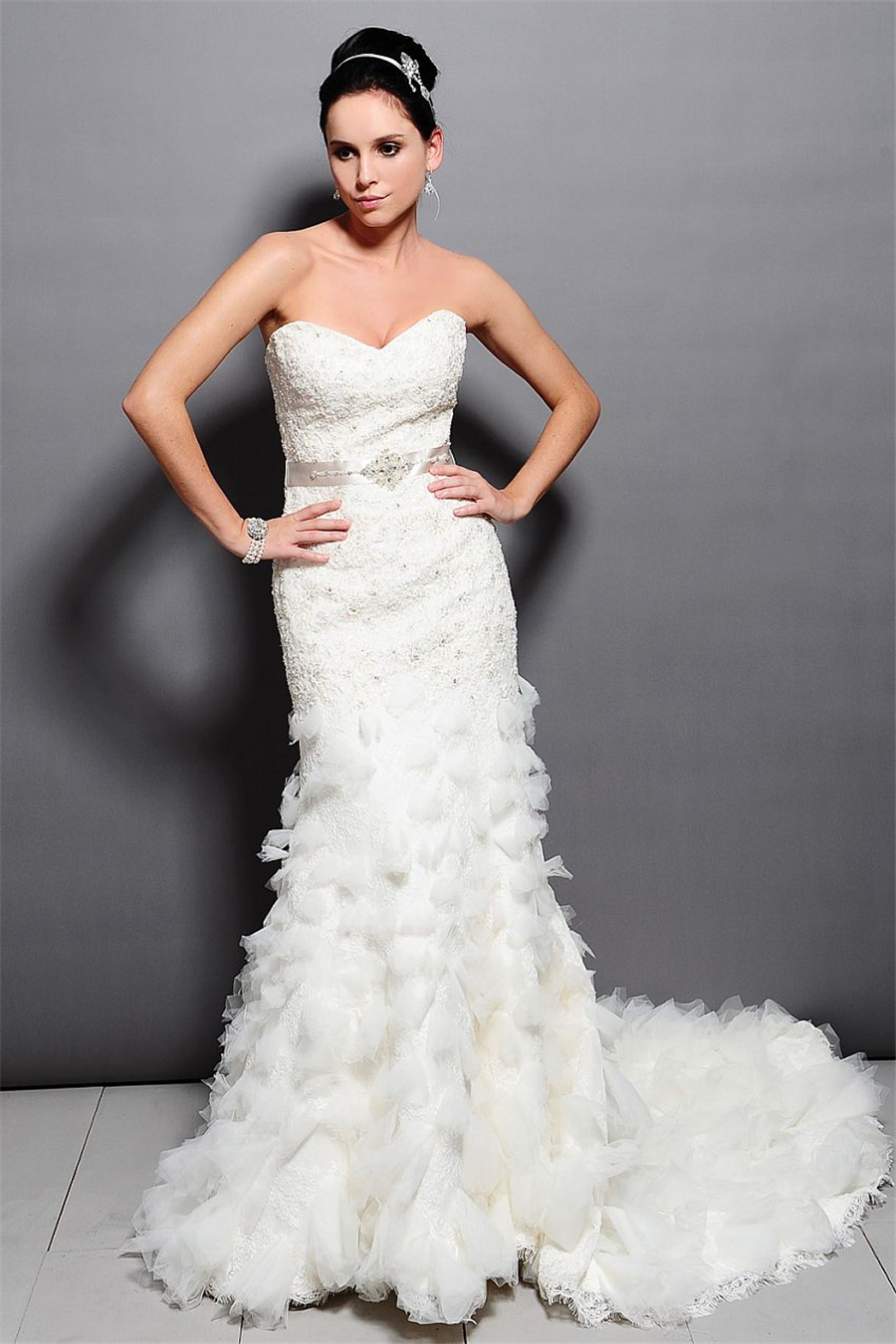 Elegant Mermaid Crystal Beaded Lace Wedding Dresses 2015