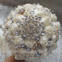 2015 populares blanco como la leche cinta de Rose novia que sostiene la flor ramo de la boda de alto grado del diamante broche ramo opcional Color caliente(China (Mainland))