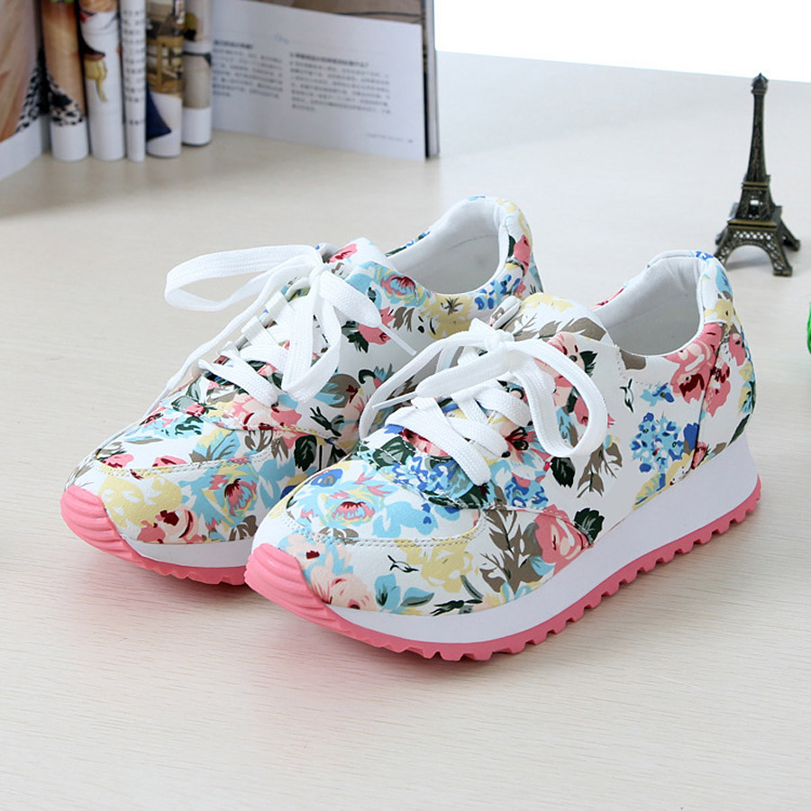 Woman casual Breathable shoes 2016 New Arrivals canvas print wedges shoes(China (Mainland))