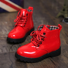 Chaussures pour enfants 2016 printemps enfants version coréenne de Martin bottes en cuir bottes imperméables pour hommes et femmes bottes(China (Mainland))