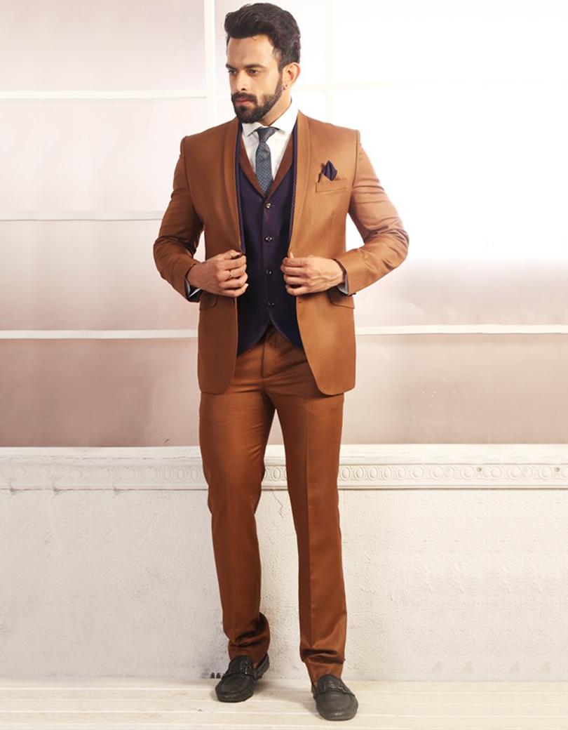 фото мужчин в коричневых пиджаках