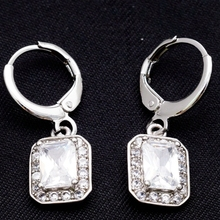 Yunkingdom Square Design Small Drop Earrings White Gold Plated White Cubic Zirconia Crystal Jewelry For Girls H0196(China (Mainland))
