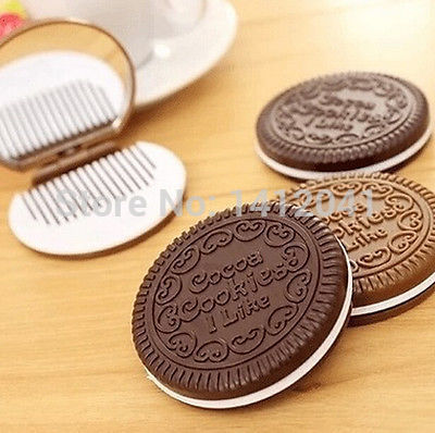 FD1652 Refinement Mini Pocket Chocolate Cookie Biscuits Compact Mirror With Comb ~Cute~(China (Mainland))
