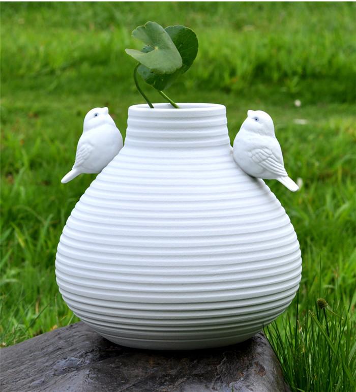 achetez en gros grand blanc en c ramique vase en ligne des grossistes grand blanc en c ramique. Black Bedroom Furniture Sets. Home Design Ideas