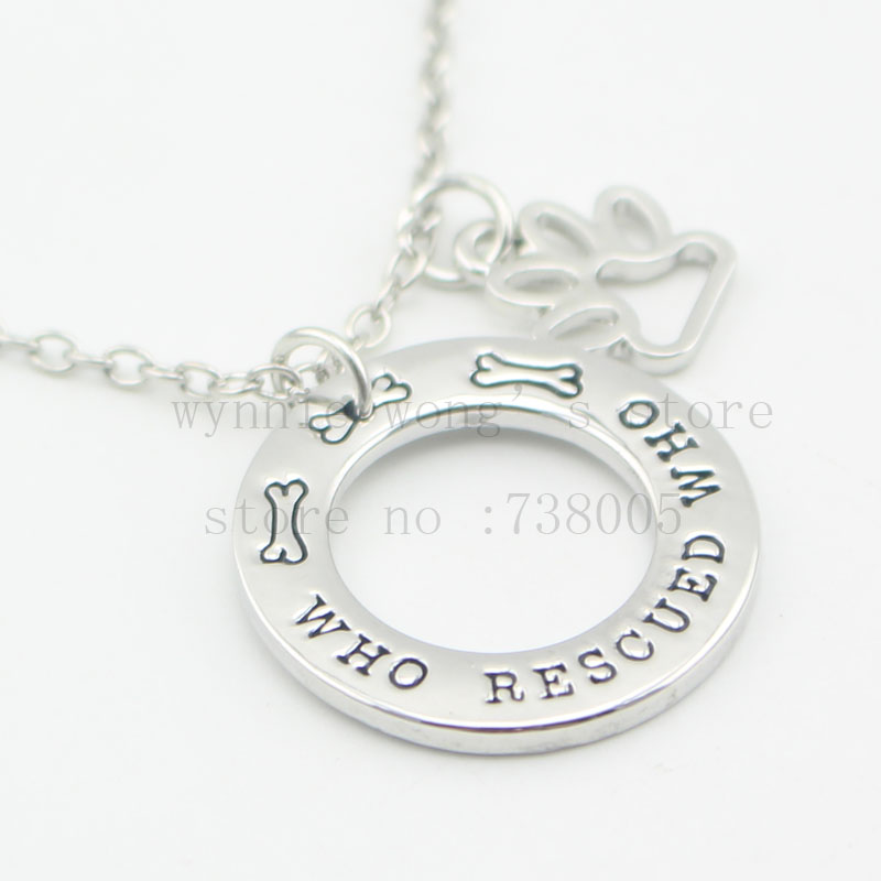 """2016 Animal Rescue Jewelry """"Who Rescued Who """"Rescue Dog Pet Jewelry Hand Stamped Jewelry Paw Print Necklace(China (Mainland))"""