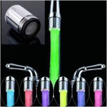 2015 New Fashion LED robinet flux lumière 7 couleurs changeantes Glow douche Tap cuisine tête capteur de température vente chaude(China (Mainland))
