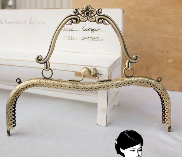 "7.9"" Vintage Retro Big Bronze M shape sewing purse frame with Flower Handle, wholesale, free shipping(China (Mainland))"
