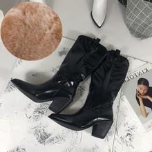 Mode geprägte mikrofaser leder frauen stiefeletten spitz western cowboy stiefel frauen mitte der wade chunky keile stiefel runway(China)