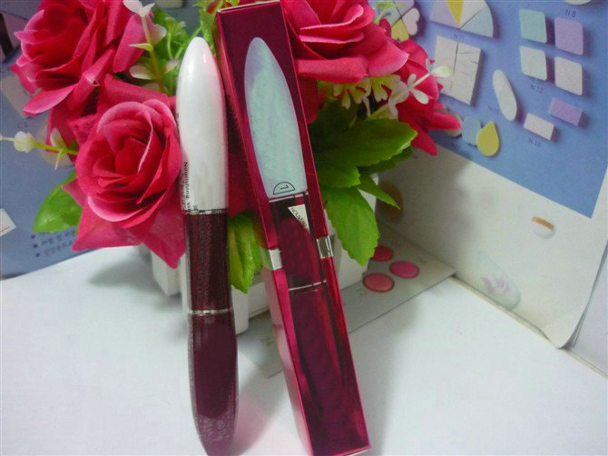 Two-headed Mascara,Double Extension Beauty Mascara,Startled Black Mascara 1 P C S Free Shipping !!(China (Mainland))