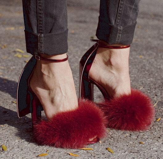 Фотография New Spring Summer Style Designer Big Soft Fur Feathers High Heels Women Sandals Gladiator Cover Heel Ankle Buckle Shoes Woman