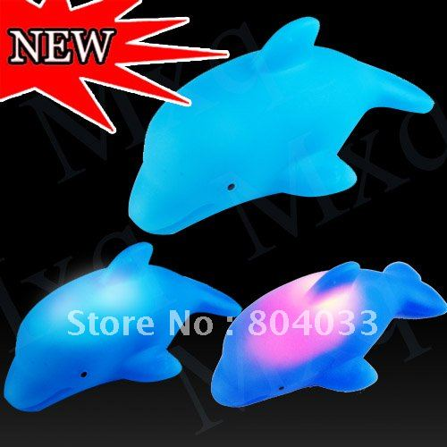 1pcs Soft Cute Harmless Led Blue Dolphin Baby Children Bath Tub Toy Bathroom Flahing Light Bathtub Toys Auto Color Changing(China (Mainland))
