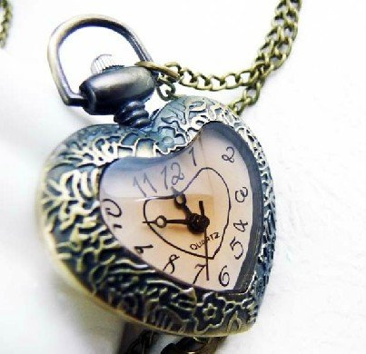 10pcs / 1 lot antique Bronze girls womens vintage brown Heart locket watches necklace Small quartz Pocket Watch(China (Mainland))