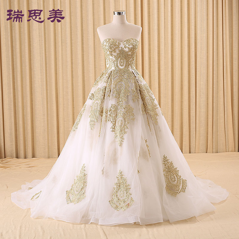 100%real golden embroidery white Medieval Renaissance gown princess dresses ball gown Victoria dress/Marie Antoinette/Belle Ball(China (Mainland))
