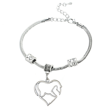 Family Mom Mother Daughter Grandmother Sister Dad Crystal Bangle Bracelets Heart Horse Charm For Women Men Girls Jewelry Party(China (Mainland))