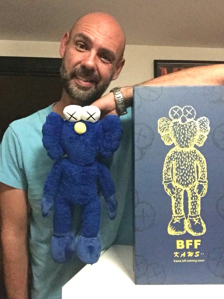 "16"" 40cm black and blue Kaws Thailand Bangkok Exhibition Sesame Street Kaws BFF Plush Doll Toy Collections with retail box(China (Mainland))"