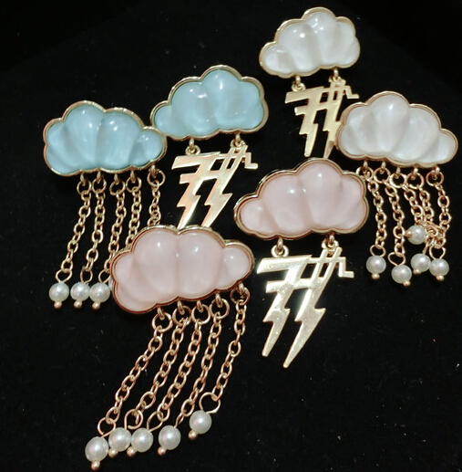 Unique design brief cloud and lightning pearl tassel earrings wholesale stud earrings white blue pink 6pair/lot m758(China (Mainland))