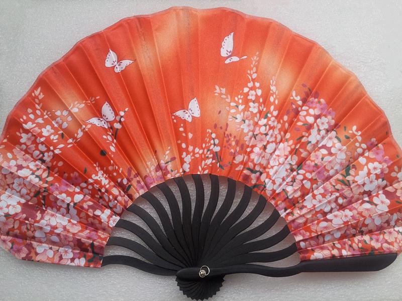 Beautiful and elegant chinese bamboo silk fan for ladies gift(China (Mainland))