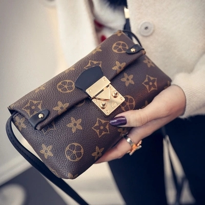 2016 New Women Shoulder Bags High Quality PU Leather Messenger Bags Fashion Style Woman Clutch Bag Vintage Envelope Bag No Logo(China (Mainland))