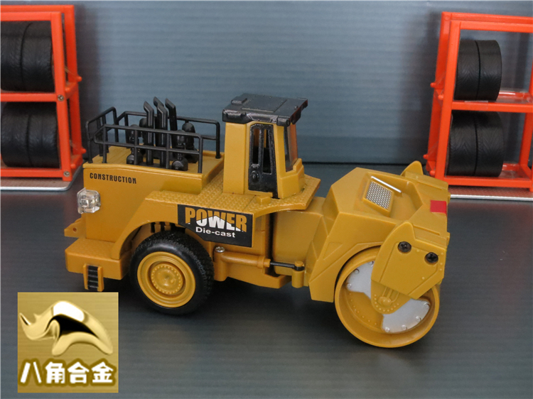 1 32 Diecast asphalt compactor model, mini road roller, smooth drum roller, toy cars with pull back function/music/light(China (Mainland))