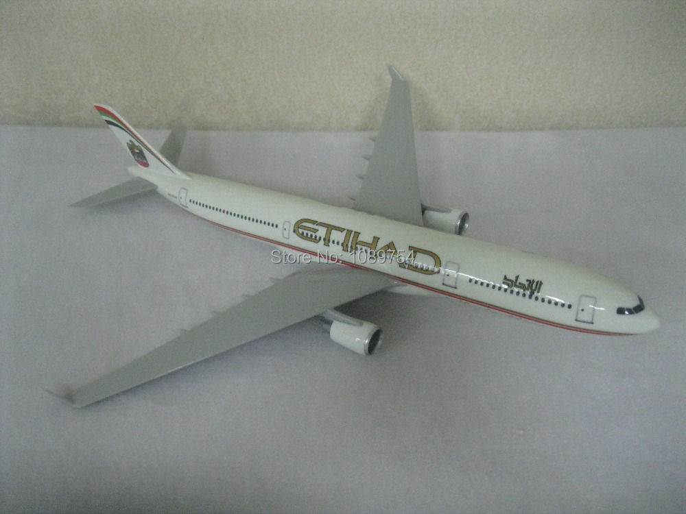 31CM ETIHAD AIRLINES A330 ,31CM Resin airplane models free shipping(China (Mainland))