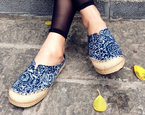 Ladies' Chinese ethnic style manual sewing mesh flax braid heel cotton fabric outdoor slippers blue and white porcelain footwear(China (Mainland))