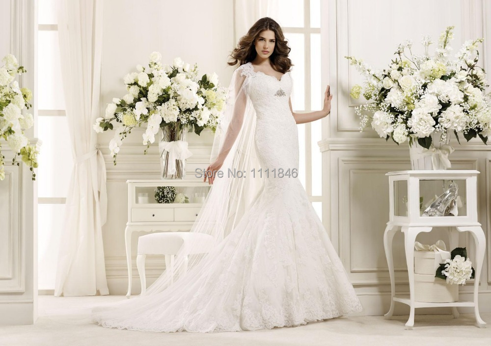 2015 dreamed lace mermaid wedding dress with long cape for Wedding dress with cape train