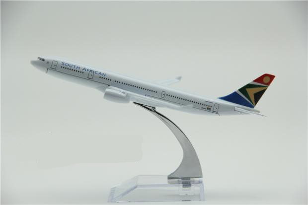 A330 Air Bus airplane model South Africa airline print metal plane model toy 16 cm length good quality fast shipping service(China (Mainland))