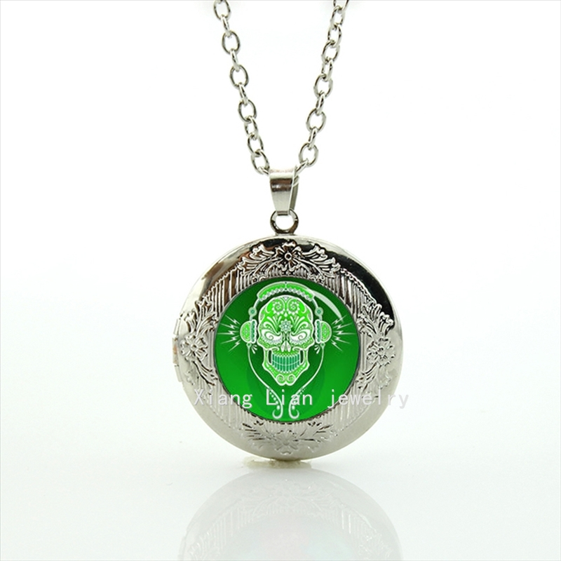 The Exquisite handicraft DJ Sugar Skull dj gifts, personalized cool pendant necklace wedding groom locket neckace T590(China (Mainland))