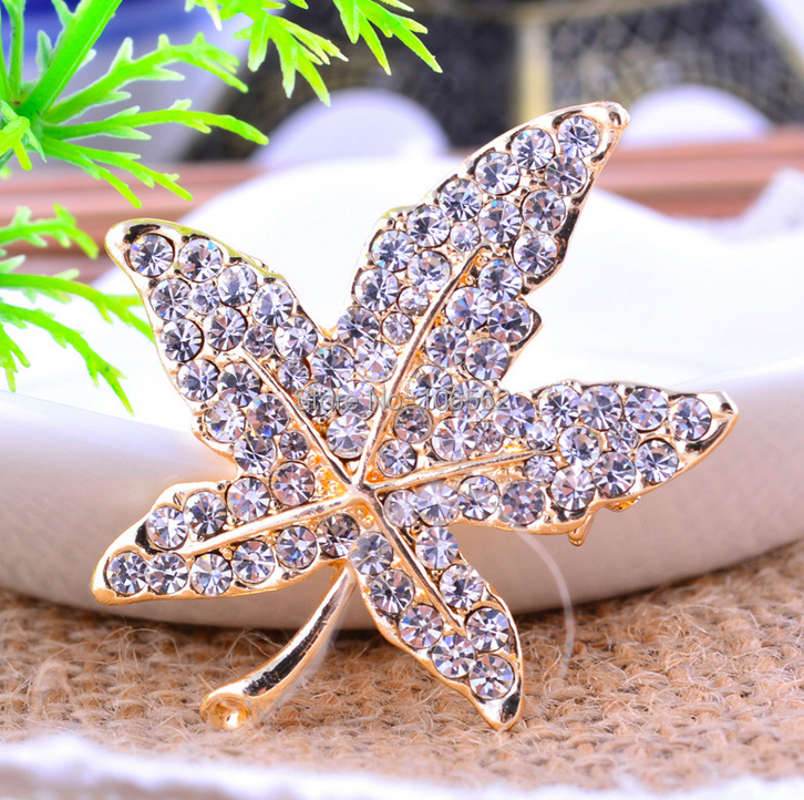 All-match Rhinestone maple leaf Brooches Alloy Jewelry Women man unisex Breast Pin cheap brooch scarf buckle safety pins broches(China (Mainland))