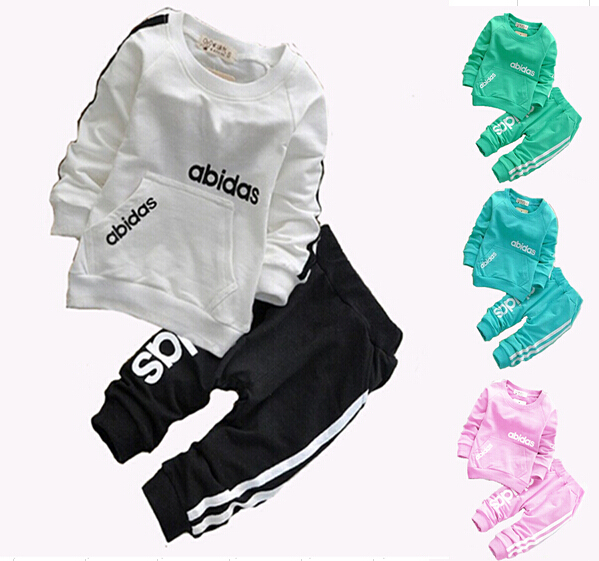 Korean Kids boys and gilrs Clothing Sets cotton fashion suits t shirt + pants sport suits baby clothing 2-6yrs free shipping(China (Mainland))